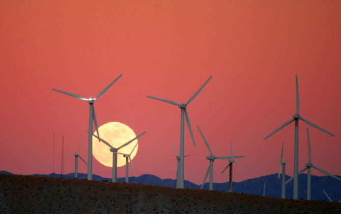 Moon Rise behind the San Gorgonio Pass Wind Farm (Photo: Chuck Coker, CC BY-ND-2.0)